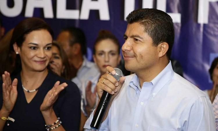PRI y PAN respaldarían a Eduardo Rivera en candidatura en común