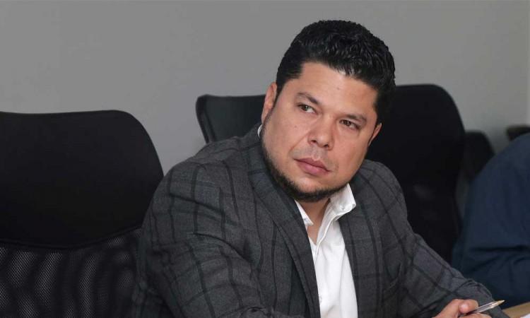 Deja Biestro el Congreso local para buscar la alcaldía de Puebla, no requerirá suplente