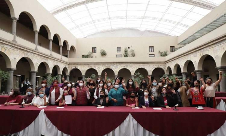 Aspirantes mujeres de Morena alzan la voz para visibilizar sus derechos político-electorales en Puebla