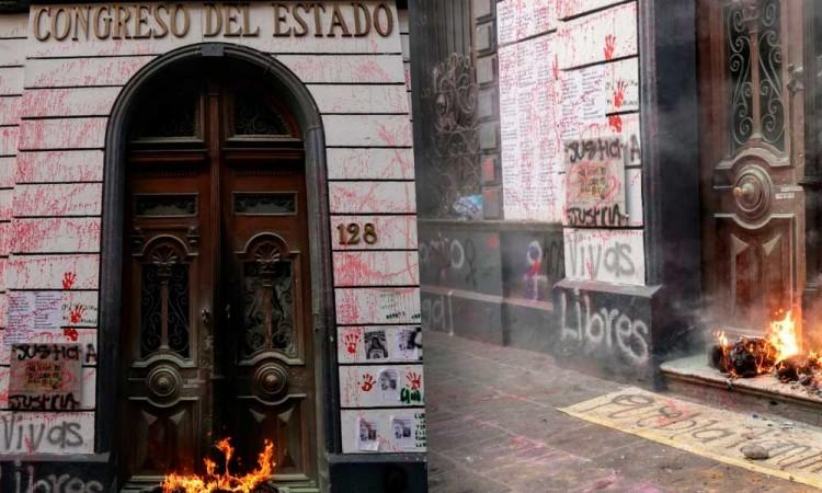 Congreso denunciará por autos destrozados y fachadas quemadas tras marcha #8M en Puebla