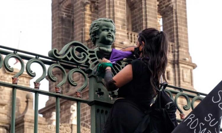 Gobierno de Puebla criminaliza marcha #8M; se van contra Ayuntamiento