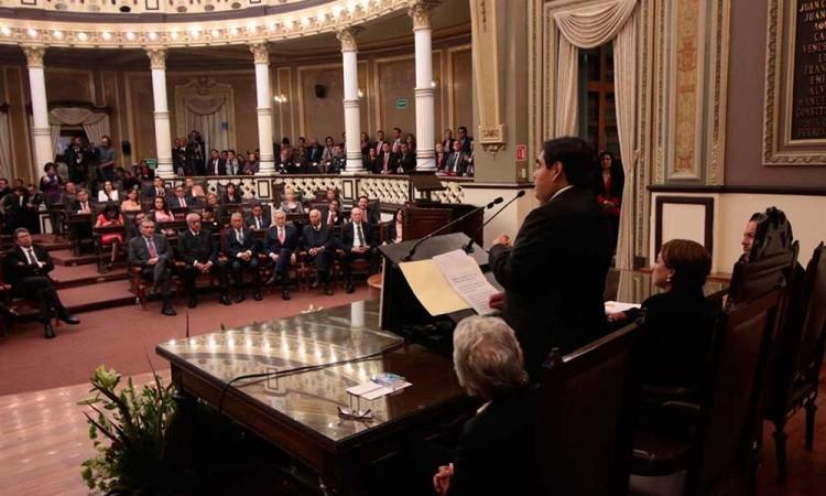 Renuncias y despidos en gabinete de Barbosa generan inestabilidad a Puebla, indica politólogo de la Ibero