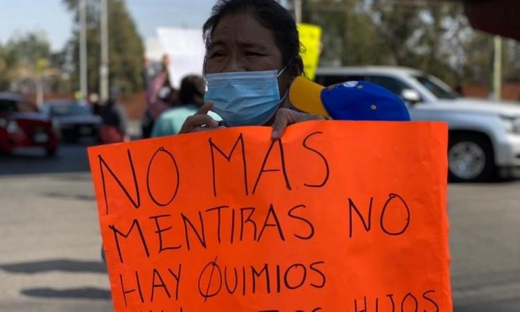 Exigen padres de familia medicamentos oncológicos en Puebla