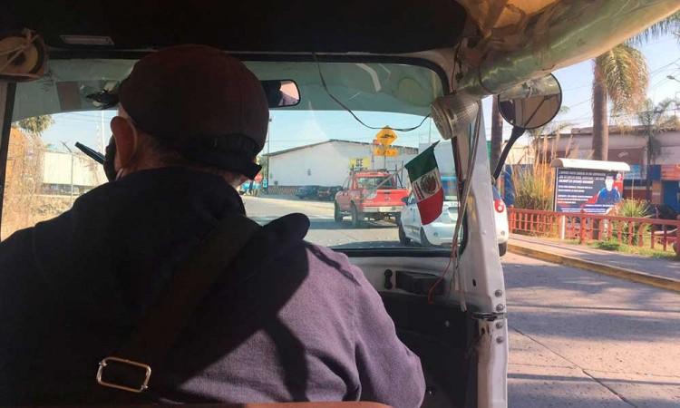 Ser mototaxista en Puebla y el único sustento para mi familia, Don Felipe nos cuenta su historia