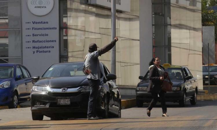La Asociación Mexicana de Transporte y Movilidad explica el por qué ha crecido el transporte pirata en Puebla y cómo reg