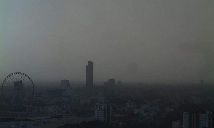 """¿Qué causó el efecto """"calima"""" que opacó el cielo de Puebla?"""