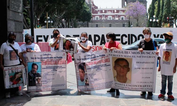 Que deje de impugnar y que mejor regrese al Congreso a avalar la Ley de desaparecidos: colectivo a Gabriel Biestro