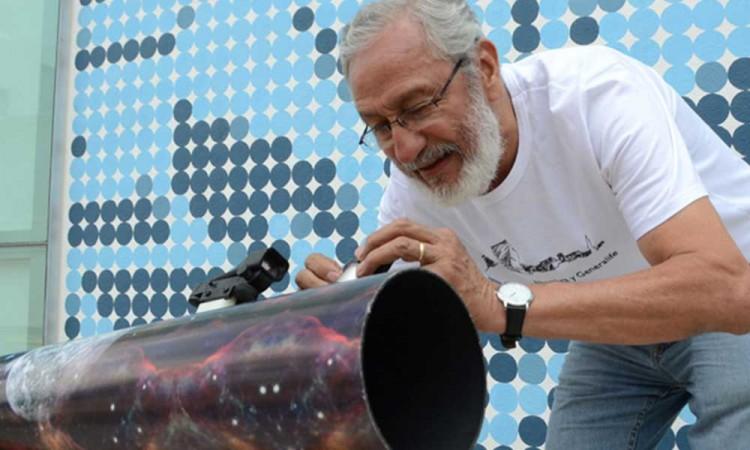 """""""Del Aula al Universo, un telescopio para cada escuela"""", un programa de la Buap que acerca los astros a los jóvenes"""
