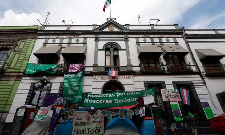 Investigadoras, académicas y colectivas del país piden al Congreso de Puebla despenalizar el aborto