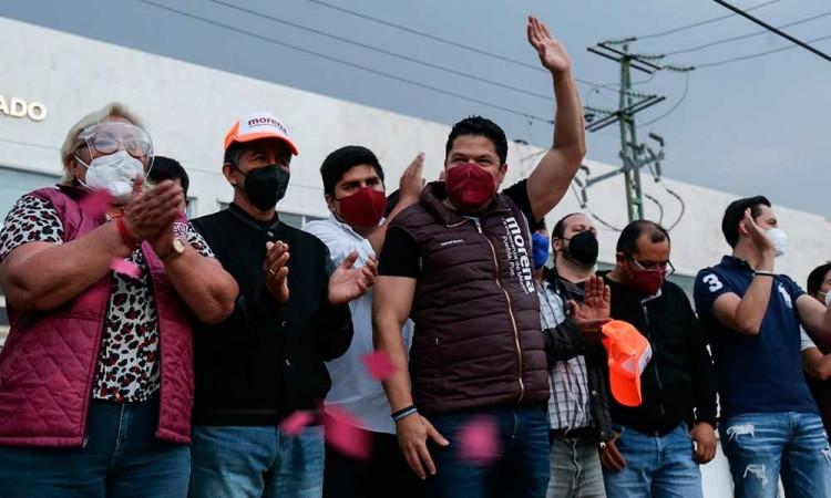 Critica Biestro registro en línea de Claudia Rivera y niega acarreo en su marcha