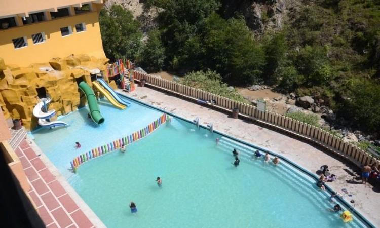 Disminuyen restricciones y permiten el acceso a balnearios y otras actividades comerciales en Puebla