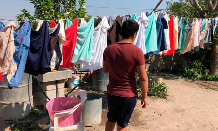 Habitantes de Totimehuacán enfurecen y salen más casos a la luz sobre Saúl Huerta