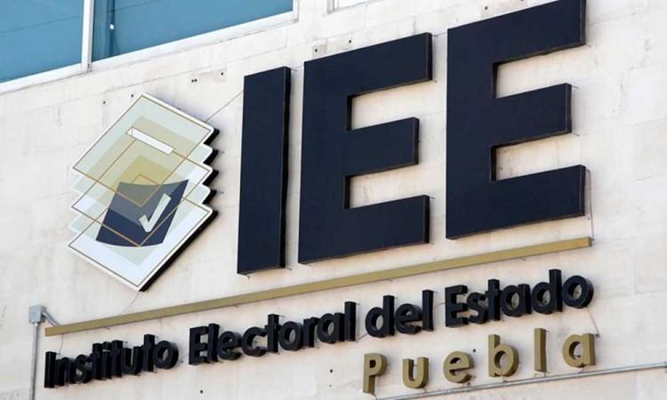 Pide Barbosa al IEE complementar las etapas del proceso electoral en Puebla