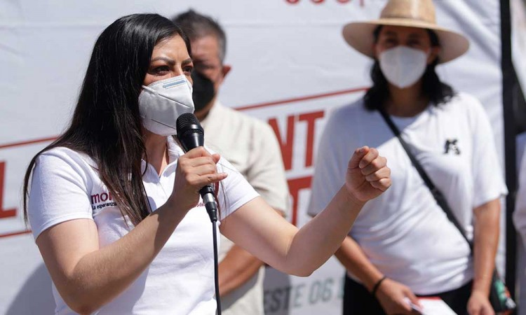 Denuncia Claudia Rivera boicot de Biestro en su contra