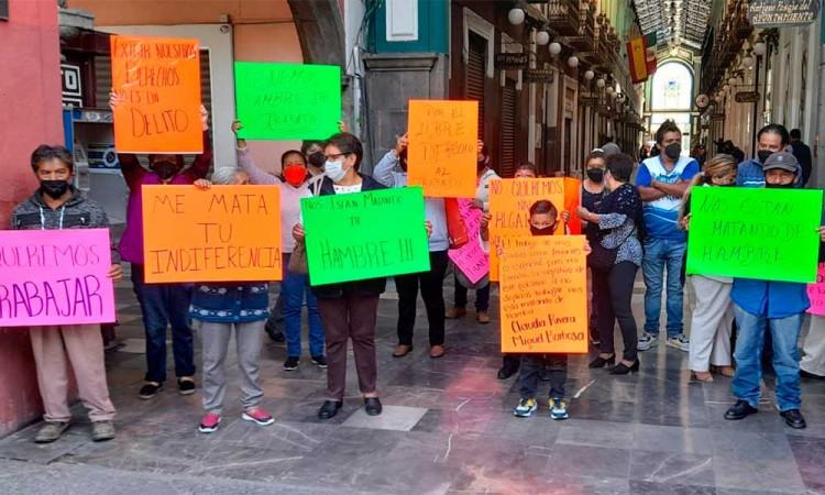 """""""Nos están matando de hambre"""" Exigen propietarios de juegos mecánicos se les permita laborar ahora que Puebla pasó a amarillo"""