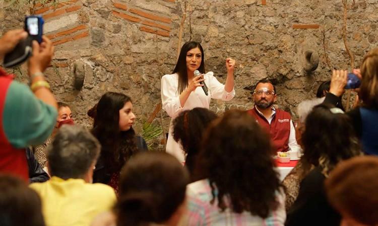 """""""A las pruebas me remito"""", niega Claudia Rivera uso de recursos públicos en campaña"""
