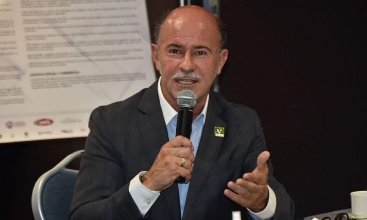 En caso de ganar, ayudaría Roberto Ruiz Esparza a ambulantes volverse comercio formal