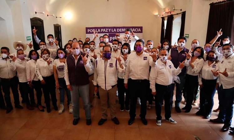 Eduardo Rivera es el candidato panista de Casa Aguayo, acusa PES de Puebla