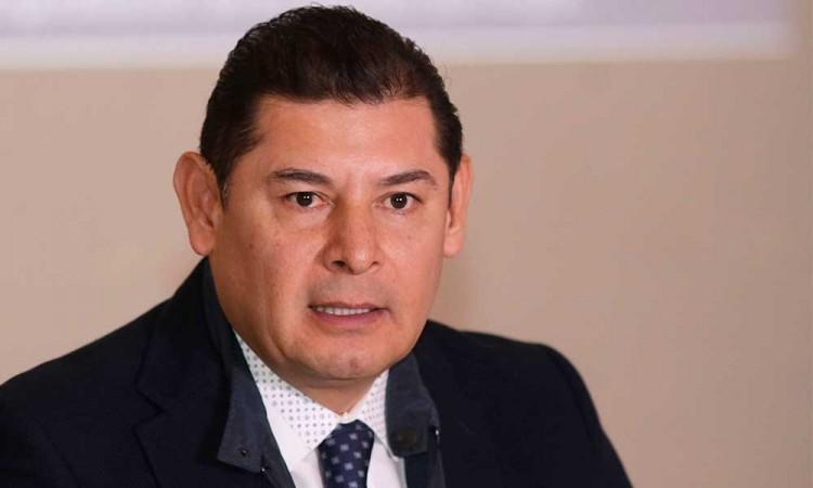 Biestro no es un político profesional, sentencia Alejandro Armenta