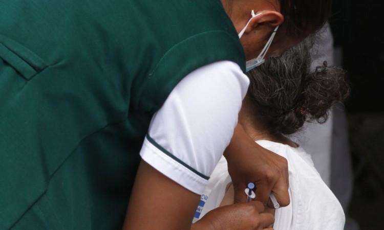 El martes 18 de mayo comienza la jornada de vacunación anticovid en adultos de 50 a 59 años y a embarazadas