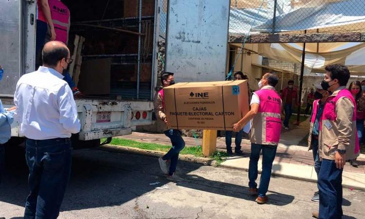 Llegan boletas electorales a Puebla, entre ellas aparece el nombre de Saúl Huerta