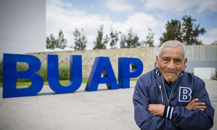 Ser egresado de la BUAP es un gran orgullo: Don Felipe Espinosa