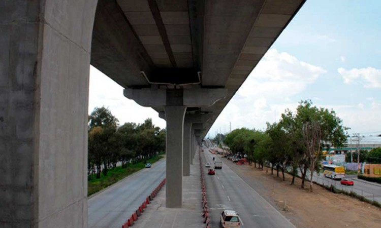 Asegura gobierno del estado qué fisuras en el piso de la autopista México-Puebla, no son de riesgo