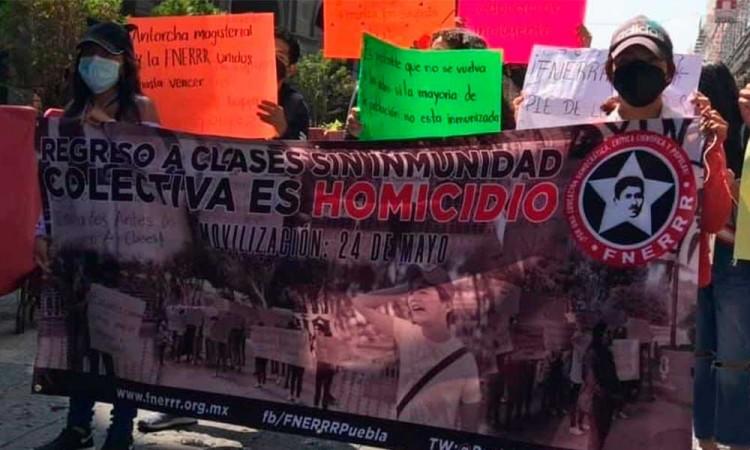 Estudiantes de la FNERRR se manifestaron para exigir un regreso seguro a clases