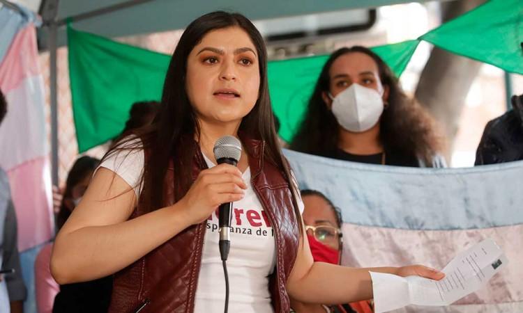 Propone Claudia Rivera certidumbre laboral a trabajadores el ayuntamiento