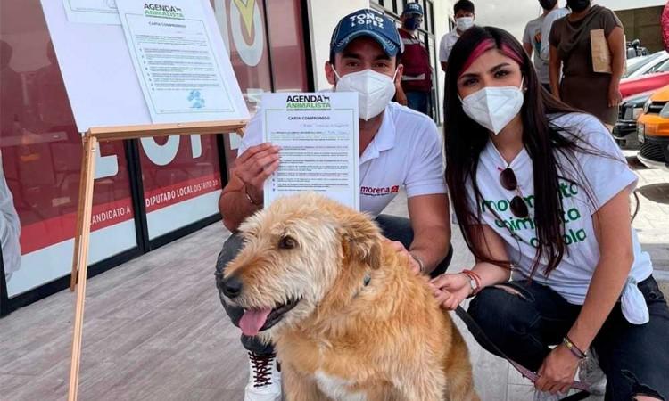 ¡Toño López a favor del bienestar animal! Firma agenda animalista