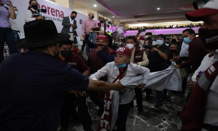 Morenistas se agreden en pre-cierre de campaña en Puebla