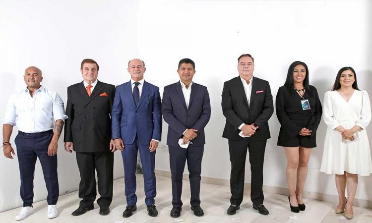 Con repetidas propuestas y algunos ataques, se llevó a cabo el debate por la alcaldía de Puebla
