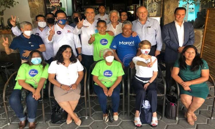 Humberto Aguilar Coronado se reúne con integrantes del movimiento Sí Por México