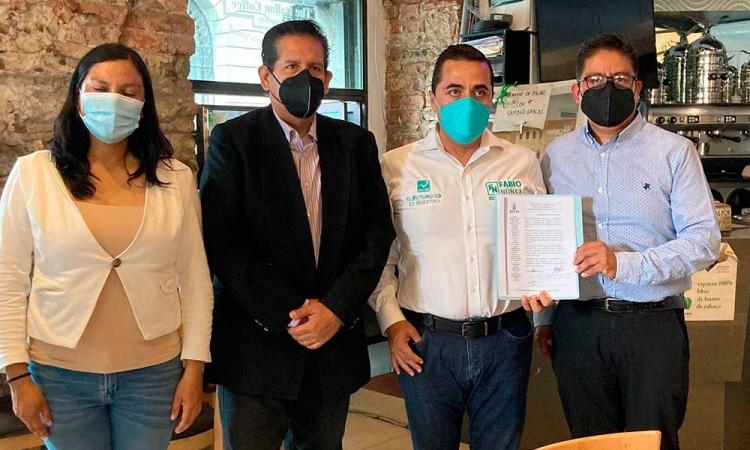 """""""La voz de los periodistas en el Congreso"""" Fabio Núñez firma acuerdo con asociación de periodistas en pro de la seguridad"""