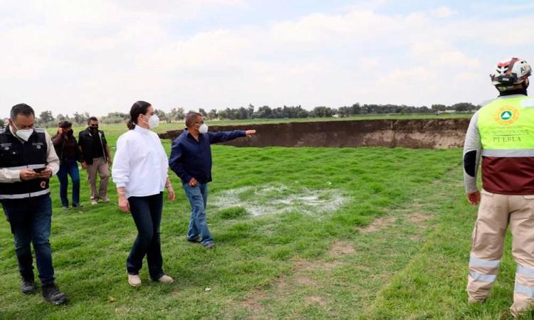 Ana Lucía Hill visitó la zona del socavón y se reunió con las familias afectadas