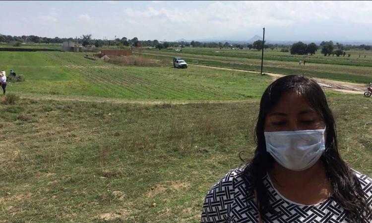 Familia afectada por socavón en Zacatepec sin respuesta clara por parte del gobierno
