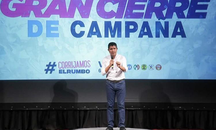 Hacer equipo y votar parejo por Va Por México y por Puebla, convoca Eduardo Rivera al cerrar campaña