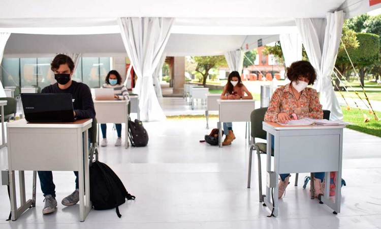 Rehabilitarán más de 4 mil escuelas para el regreso a clases presenciales en Puebla