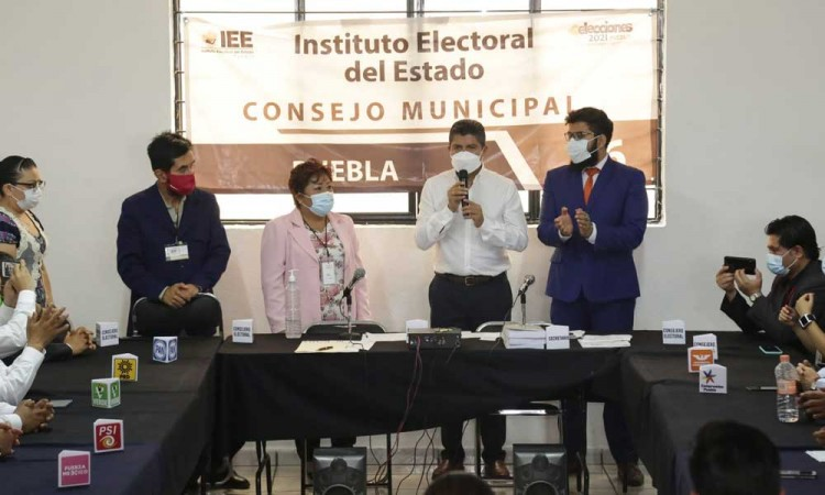 Instalará Eduardo Rivera mesa central sobre seguridad y economía con diversos sectores sociales