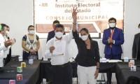 Recibe Eduardo Rivera su constancia como alcalde electo de Puebla
