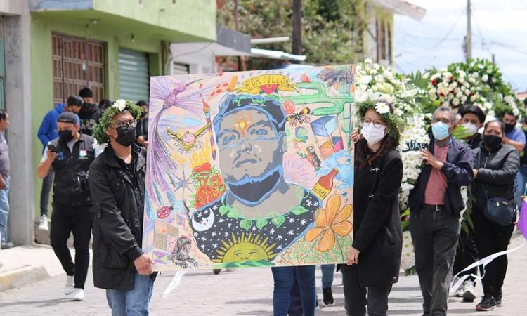 Él es Juan Carlos Portillo, el joven artista de pintura y grabados que perdió la vida en la comisaría de Xoxtla