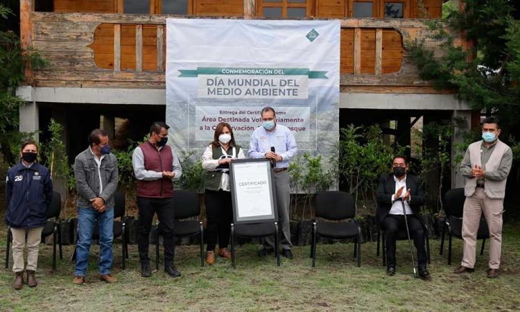 Recibe Flor el Bosque certificado como Área Destinada Voluntariamente para la Conservación