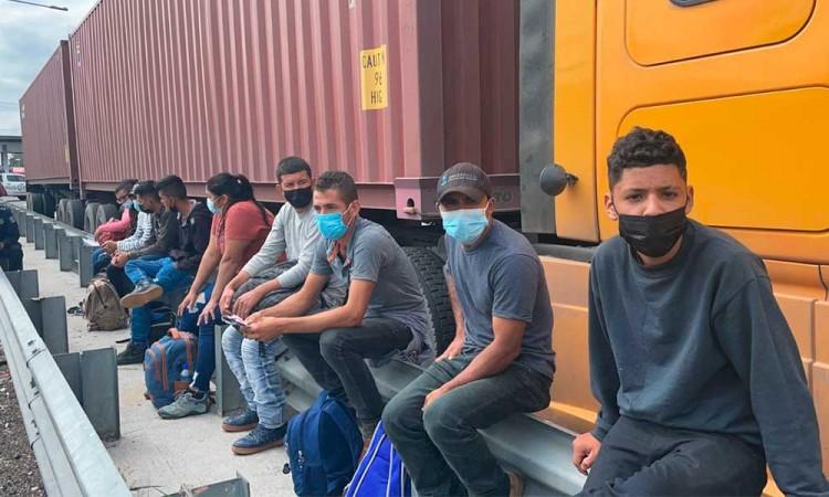 Rescatan en Puebla a 35 migrantes centroamericanos