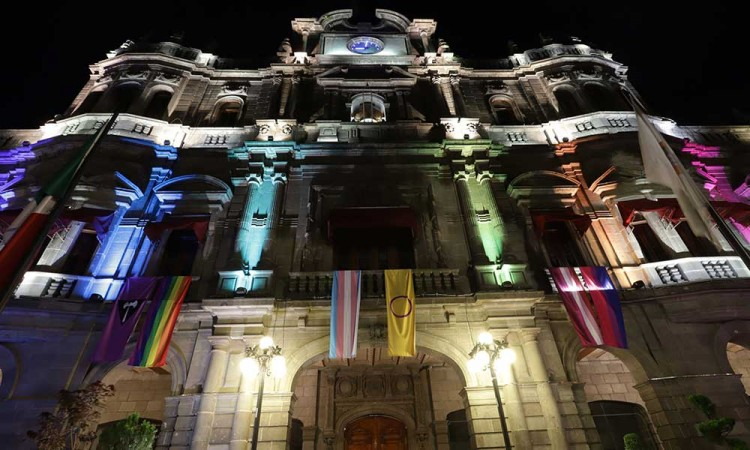 """Comunidad LGBTI en Puebla a Eduardo Rivera: """"estamos esperanzados"""""""