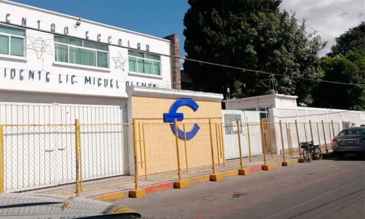 Centro Escolar de Cholula se desincorporó de la BUAP por cuotas sin beneficio, padres favorecidos se oponen