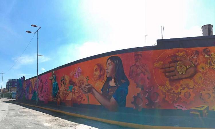 """Crean """"De la Esperanza al Porvenir"""", un mural que plasma """"la fe"""" ante el Covid-19 en Puebla"""