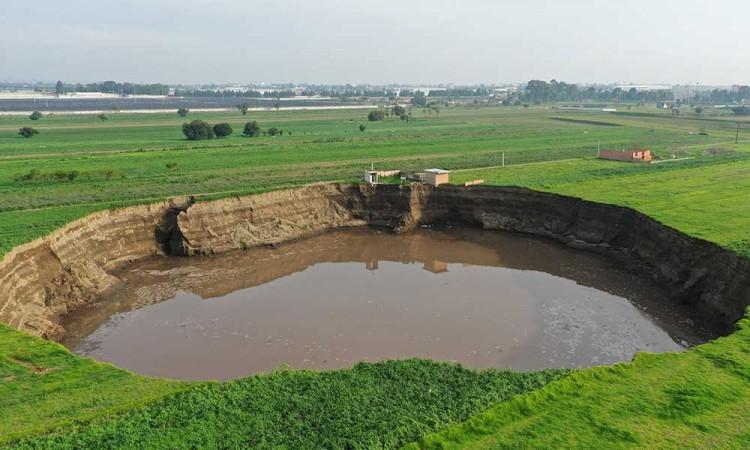 Formación del socavón en Zacatepec fue por extracción excesiva de agua, dice IPN