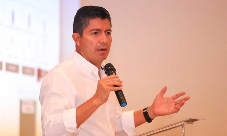 Pide equipo de Eduardo Rivera a la población no caer en fraudes sobre programas sociales
