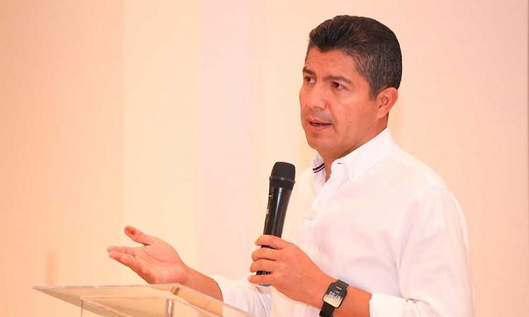 Comienza Eduardo Rivera a analizar temas como inseguridad y economía
