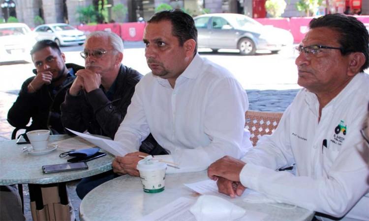 Alejandro Carvajal propone un alto a la sobrexplotación del acuífero del Valle Puebla